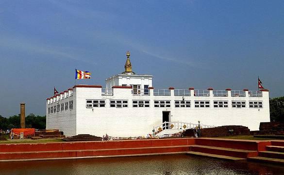 लुम्बिनीमा पर्यटकको चहलपहल बढ्दै