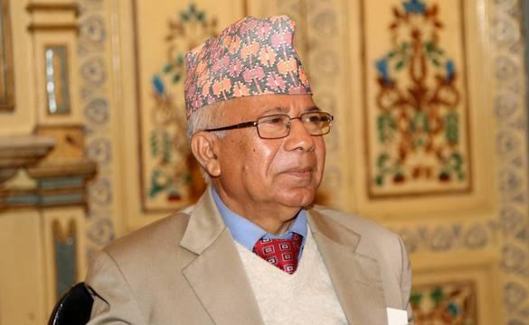 'मरता क्या नहीं कर्ता' कर्णालीमा केपी ओलीलाई सिद्ध्याइदियौँ : माधव नेपाल