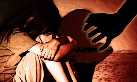 १४ वर्षअघि बालिकालाई सामूहिक बलात्कार गरी फरार दुई पक्राउ
