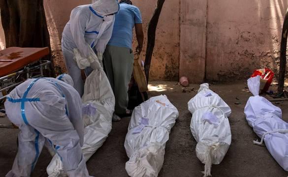 १५ दिनभित्र कोरोनाबाट एकै परिवारका तीन जनाको मृत्यु, एक साताका लागि गाउँ सिल